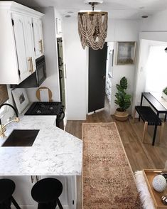 Best Camper Remodel Before And After Trailers Mobile Homes 41 Ideas Tiny House Living, Rv Living, Camper Equipment, Rv Homes, Tiny Homes, Folding Campers, Travel Trailer Remodel, Rv Interior, Trailer Interior