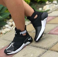 Ausverkaufte Damen S Golfschuhe # (Europe Cute Sneakers, Sneakers Mode, Cute Shoes, Sneakers Fashion, Me Too Shoes, Shoes Sneakers, Shoe Boots, Shoes Sandals, Urban Apparel