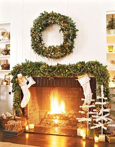 holidaychristmasfalldecor interiordesign fireplace - Decorating Fireplace Mantels For Christmas Pinterest