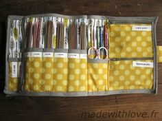 Pochette pour tricot « Made with Love Knitting Needle Size Chart, Knitting Needle Storage, Knitting Needles, Sewing Tutorials, Sewing Crafts, Sewing Projects, Diy Pochette, Back Up, Organizer