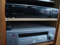 Receiver Sony nacional !Saudades de uma época em que se fabricavam ótimos aparelhos no Brasil .Acima VHS AIWA Japones