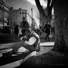 #smellofmarseille . #marseille #biancoenero #blackandwhitephotography #blackandwhite #streetphotography #stredtlife  #bnw #igersbnw #marseillerebelle #massalia #instamarseille #igersfrance #igersmarseille #planetemars #laviesurmars #revelateurphoceen #choosemarseille #marseille_focus_on #bnw_marseillecity #IC_bw #bnw_demand #bnw_madrid #everybodystreet
