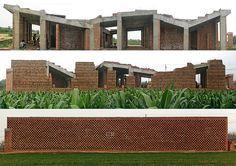O paradoxo da Arquitetura. As etapas de construção do Centro: estrutura de concreto. A seguir enchimento com tijolos de barro formando a fachada.