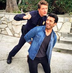 """And making light of their roles in Jane the Virgin. Rafael And Michael From """"Jane The Virgin"""" Have The Cutest Bromance In Real Life Jane And Rafael, Jane The Virgin Rafael, Jane And Michael, Justin Baldoni, Gina Rodriguez, Film Serie, Old Actress, The Cw, Pretty People"""