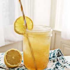 Whisky Lemonade With Honey (via www.foodily.com/r/7ijUb3dWT-whisky-lemonade-with-honey-by-a-beautiful-mess)