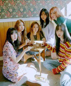 through the night Gfriend Member Profile, Friends Group Photo, Labrynth, Photo Room, Fandom, Cloud Dancer, G Friend, K Idols, Asian Woman