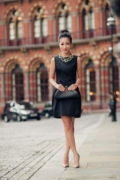 @Wendy's Lookbook rocks a little black dress, sleek clutch and the Stella & Dot Estate Bib Necklace
