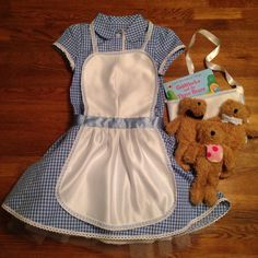 Goldilocks and the Three Bears costume for World Book Day. Hand made apron and bag. Accessorised dress and bears. Handmade by @davina eatonbanks and me.