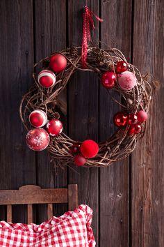 Rustic Christmas Crafts, Diy Christmas Tags, Christmas Advent Wreath, Xmas Wreaths, Country Christmas, Red Christmas, Handmade Christmas, Christmas Time, Christmas Decorations