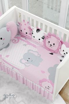 The Kit Crib Amiguinhas Safari comes to protect your little girl and teach love for animals from an