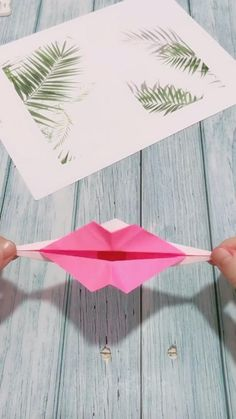 Mode Origami, Instruções Origami, Paper Crafts Origami, Origami Videos, Diy Crafts Hacks, Diy Crafts For Gifts, Art N Craft, Paper Crafts For Kids, Origami Tutorial