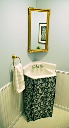 A Thousand Laughing Starfish: DIY Skirted Sink Tutorial.