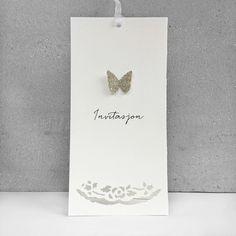 Invitasjonskort med håndlaget sommerfugl i sølv passer til bursdag eller annen festlig anledning.
