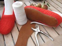 .: Sy lædersåler under de filtede hjemmesko