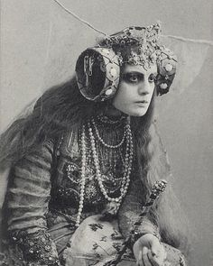 Maria Germanova as the Witch in Maeterlinck's The Blue Bird