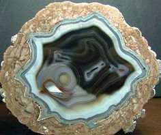 Minerals And Gemstones, Crystals Minerals, Rocks And Minerals, Stones And Crystals, Healing Crystals, Natural Crystals, Raw Beauty, Houseboats, Agates