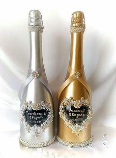 Годовщина свадьбы, подарок для родителей или друзей Wine Bottle Gift, Glass Bottle Crafts, Bottle Art, Glass Bottles, Perfume Bottles, Painted Wine Bottles, Vintage Bottles, Antique Bottles, Vintage Perfume