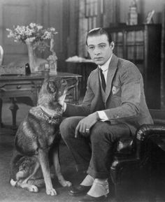 Hollywood ~ The legendary Rudolph Valentino silent film star Hooray For Hollywood, Golden Age Of Hollywood, Vintage Hollywood, Hollywood Stars, Classic Hollywood, Pure Hollywood, Hollywood Cinema, Hollywood Fashion, Hollywood Actor