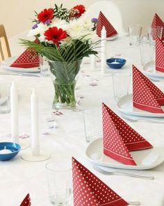 Fine festbord til Constitution Day, Public Holidays, Summertime, Table Decorations, Birthday, Norway, Celebration, Weddings, Birthdays