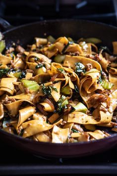 Better Than Takeout Szechuan Noodles with Sesame Chili oil Besser als Szechuan - Nudeln mit Se Vegetarian Recipes, Cooking Recipes, Healthy Recipes, Crockpot Recipes, Szechuan Noodles, Roasted Vegetable Recipes, Think Food, Half Baked Harvest, Asian Cooking