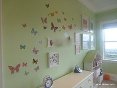 Stay at Home-ista: Little Girl's Butterfly Bedroom Girl Room, Girls Bedroom, Bedroom Ideas, Butterfly Bedroom, Wall Transfers, Bedroom Green, Green Bedrooms, Dream Apartment, Stay At Home