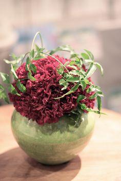 フラワーアレンジメント/カーネーション/羽衣ジャスミン/花どうらく/花屋/http://www.hanadouraku.com/flower arrengement/