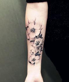 tatouage temporaire plante grandes fleurs fleur par prosciuttojojo