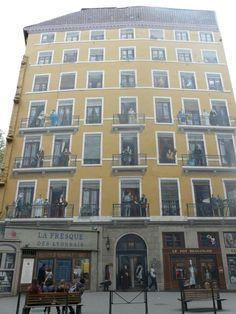 Edificio pintado en Lyon