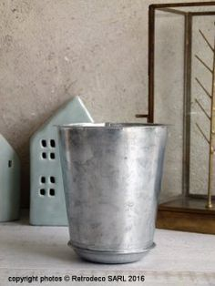 porte parapluie romantique ancien seau charbon en zinc vintage customis dans un esprit. Black Bedroom Furniture Sets. Home Design Ideas