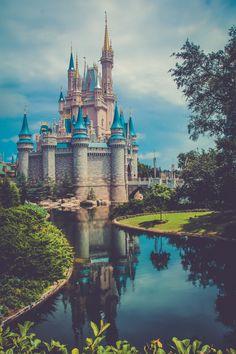 Disney Park Pictures ~M Disney World Fotos, Disney World Pictures, Cute Disney Pictures, Wallpaper Iphone Disney, Cute Disney Wallpaper, Disney Love, Disney Art, Disney World Castle, Disney Princess Castle