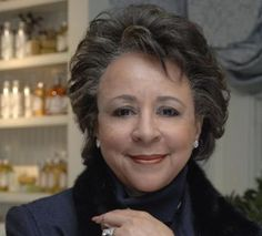 Sheila Johnson, the country's second-wealthiest black female (trailing only Oprah). In along with her ex-husband Robert Johnson, Sheila Johnson co-founded Black Entertainment Television (BET) African American Culture, African American History, Black History Facts, My Black Is Beautiful, Black Girls Rock, Before Us, Women In History, Black People, In This World
