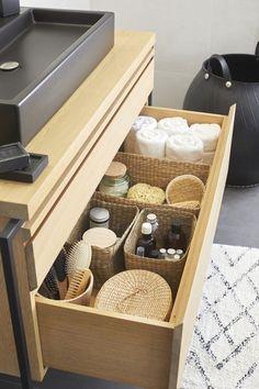 Marie-Kondo-Method for storage in the bathroom - # . , Marie Kondo method for storage in the bathroom - # marié -. Konmari, Bathroom Organisation, Bathroom Storage, Organization Ideas, Bathroom Tray, Cabinet Storage, Tidy Up, Minimalist Decor, Bathroom Interior Design