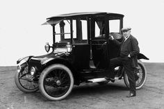 In 1900, 34 percent of cars in New York, Boston and Chicago were powered by electric motors. Think about it what happened. ..Brought to you by #HouseofInsurance #CarInsuranceinOregon