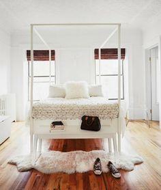 Finden Sie Inspirierende Schlafzimmer Interieur Hier. Zusätzlich Zu Den  Aufnahmen Der Großen Schlafzimmer Finden Sie Auch Ideen Für Dekorative  Kissen, ...