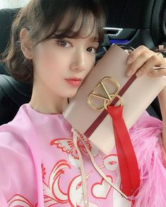 In her post last March Shin-hye was seen showing her more feminine style decked in pinks and reds from fashion house Valentino. Park Shin Hye Instagram, Givenchy, Valentino, Rockstud Pumps, Korean Celebrities, Female Celebrities, Kpop Fashion, Korean Actresses, Pink Silk