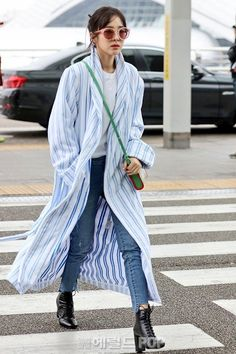 Sandara Park Fashion, Airport Style, Airport Fashion, 2ne1 Dara, My Wife Is, Asian Fashion, South Korean Girls, Celebrity Style, Celebs