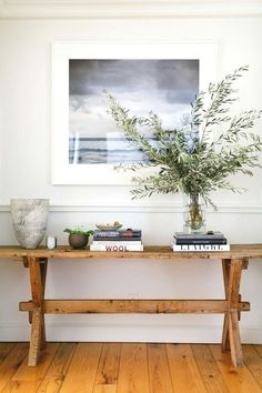 Beautiful Entry Table Decor Ideas to give some inspiration on updating your . Beautiful Entry Table Decor Ideas to give some inspiration on updating your house or adding fre Foyer Design, House Design, Lobby Design, Decoration Chic, Decoration Inspiration, Decor Ideas, Style At Home, Deco Studio, Foyer Decorating