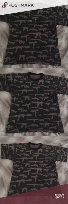 Men's Graphic T-Shirt ⚡️Men's Guns Graphic T-Shirt                                 ⚡️Great Condition Shirts Tees - Short Sleeve