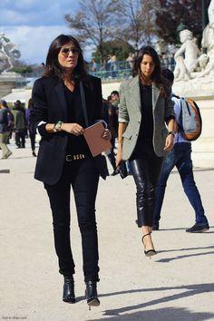 Emmanuelle Alt and Geraldine Saglio - Spring 2014 Menswear Fashion Week; Paris - June 2013 (outside of Valentino) Laid Back Style, My Style, Black Style, Emmanuelle Alt Style, Mens Fashion Week, Womens Fashion, Balmain, Aurelie Bidermann, Fashion Gone Rouge