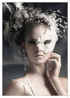 Masquerade Hairstyles For Long Hair : ... Masquerade Ball Mask with Diamante Crystals  243 Hinh anh dep 5