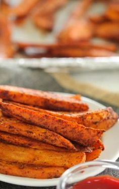 Baked Sweet Potato Wedges Six Sisters' Stuff An Easy And Healthy Side Dish Your Kids Will Love These Baked Sweet Potato Wedges Are Perfectly Crispy On The Outside, Soft On The Inside And Seasoned To Perfection For Plenty Of Flavor. Honey Roasted Carrots, Roasted Sweet Potatoes, Roasted Vegetables, Veggies, Sweet Potato Wedges Oven, Seasoned Potato Wedges, Healthy Side Dishes, Side Dishes Easy, Side Dish Recipes