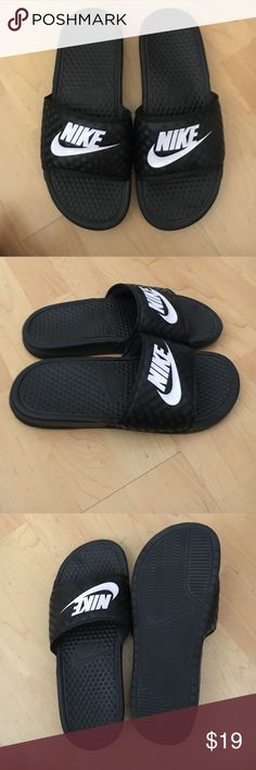 0fe83cc3d3a2d Womens Nike slip on sandals Womens size 8 slip on Nike sandals. Worn once  with