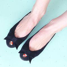 Handmade Black Leather Peep Toe Bow Ballet Flats   www.elehandmade.etsy.com