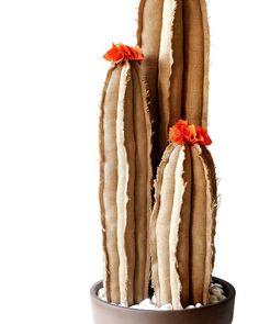 Arredamento design, cactus juta handmade Flower Bookey, Flower Film, Cactus Flower, Flower Pots, Faux Flowers, Diy Flowers, Fabric Flowers, Felt Crafts, Diy And Crafts