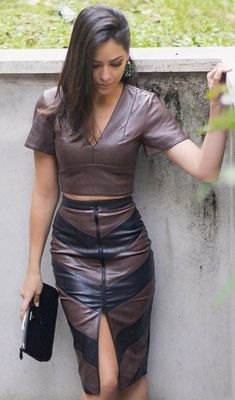 outfit tight night out fantasy lace up black hot biker curvy street style Hot Outfits, Skirt Outfits, Fashion Outfits, Womens Fashion, Elegantes Outfit Frau, Sexy Rock, Leder Outfits, Leather Dresses, Black Leather Skirts