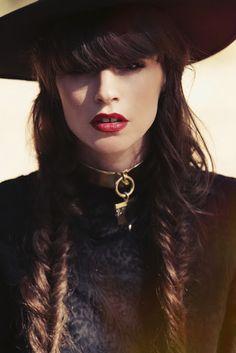 #braids #brunette #fashionblogger #jagger