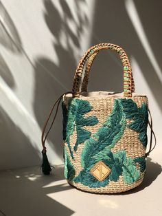 Aranaz Nana Woven Abaca Bucket Bag sonia c Fendi Spy Bag, Embroidered Bag, Designer Wallets, Drawstring Pouch, Summer Bags, Handmade Bags, Leather Handle, Bag Sale, Fashion Bags