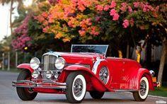 viejo coche roja