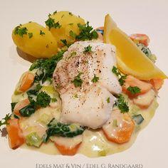 Edels Mat & Vin: Skrei med grønnsaksstuing og kokte poteter (Grete ... Ratatouille, Nom Nom, Eggs, Lunch, Fish, Dinner, Breakfast, Spinach, Dining