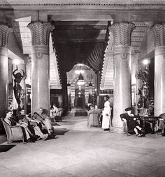 American Pilots & Soldiers, Relaxing at Shepheard's Hotel - Cairo In 1942